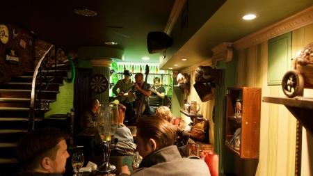 В Киеве будут контролировать уровень шума в кафе и ресторанах