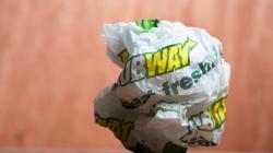 Вчерашний сэндвич: Почему закусочные Subway теряют клиентов и прибыль