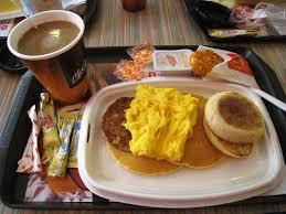 В США McDonald's будет продавать завтраки весь день
