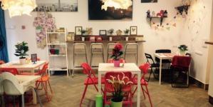 5 интересных точек в Киеве, где продажа товаров или услуг сочетается с кафе