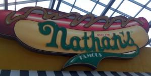 Развитием сети закусочных Nathan's Famous в России займётся Евгений Бирин