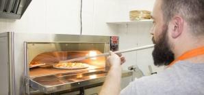 В ТЦ «Метроград» открылась пиццерия, где работают исключительно ветераны АТО