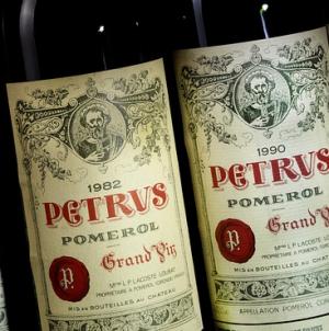 Шесть бутылок вина Petrus 1982 года проданы на аукционе Sotheby's за $17,6 тысяч