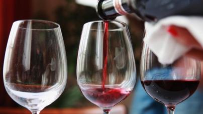 Корреспондент: Винная пробка. Алкогольная отрасль Украины может уйти в тень