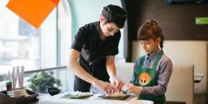 «Сушия» запустила мастер-классы японской кухни для взрослых и детей