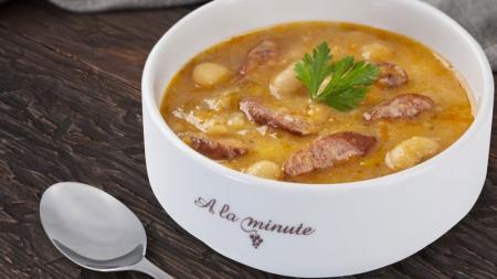 Сытные супы и витаминные салаты в обновленном меню ресторанов A la minute на «ОККО»