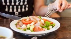 Рестораны A la minute приглашают на суп с кокосовым молоком и другие новинки летнего меню