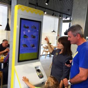 #Безчерг на «ОККО»: у ресторані мережі АЗК з'явилося перше інтерактивне меню