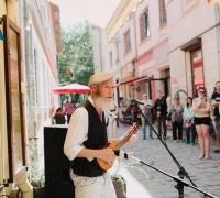 День вуличної музики за підтримки ресторану. Фото: www.urbanspace.if.ua