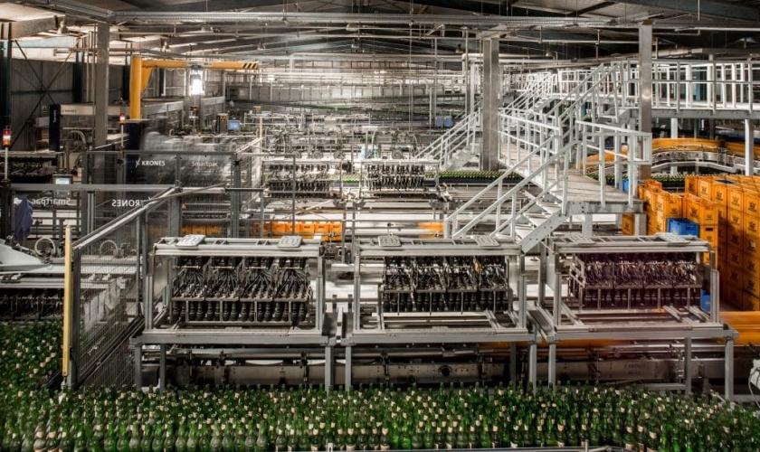 Bottles on a production line-min