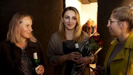 Stella Artois поддерживает изобразительное искусство: бренд выступит спонсором художественной выставки «faceLESS»