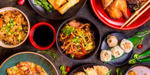 Nielsen: средний чек на доставку еды в России сравнялся с ресторанным