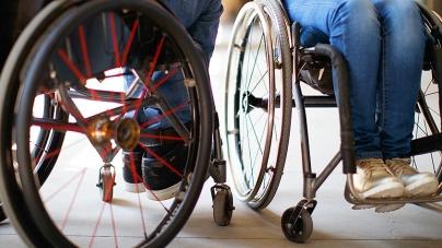 Рестораны и кафе должны быть доступны для людей с инвалидностью — Минрегион