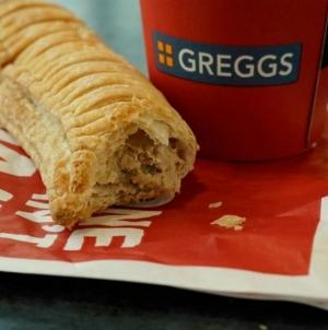 Веганская сосиска в тесте увеличила прибыль пекарен Greggs на 60%