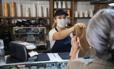 Як забезпечити безпечне отримання замовлень на виніс і доставку готових страв — п'ять порад від Tork